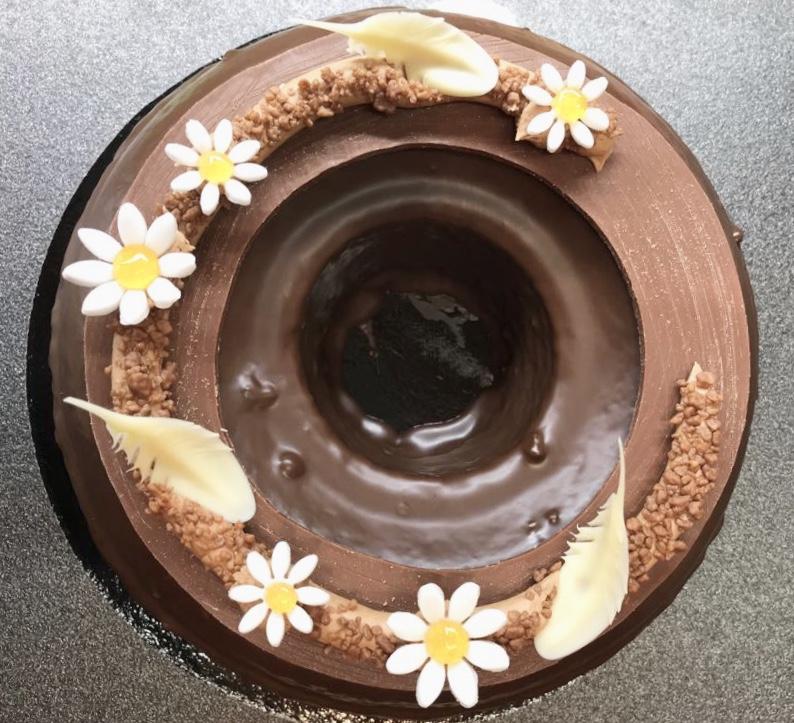 Biscuit vanille, pépites de chocolat noir, glaçage chocolat noir