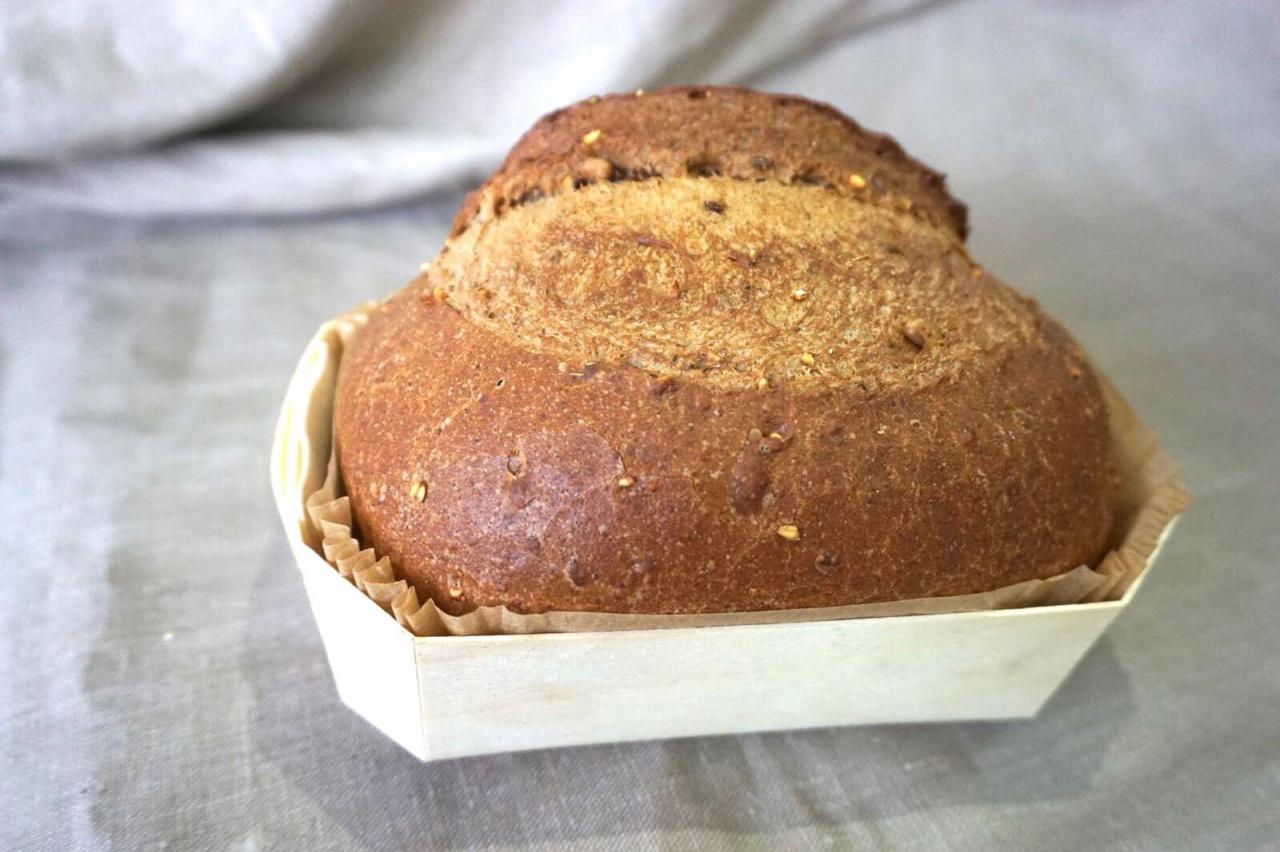 Farine de froment, farine de seigle, farine de malt. Graines : orge, tournesol, avoine, lin, seigle