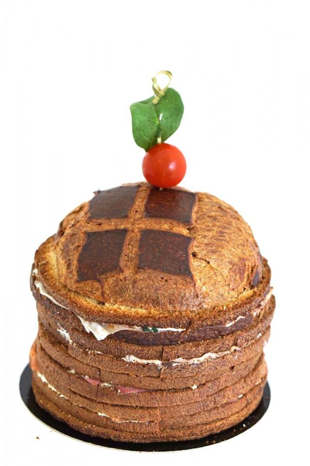 Saumon fumé, mousse de raifort Pastrami, parmesan Magret de canard Jambon cru