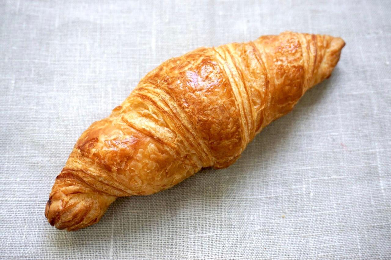 Croissant pur beurre, roulé à la main