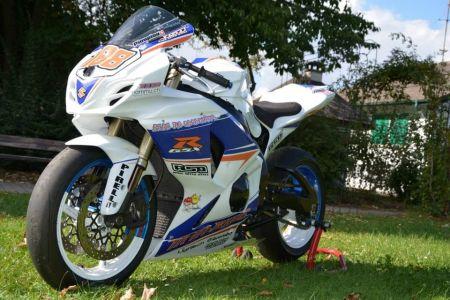 Suzuki GSX-R 1000 K9 piste
