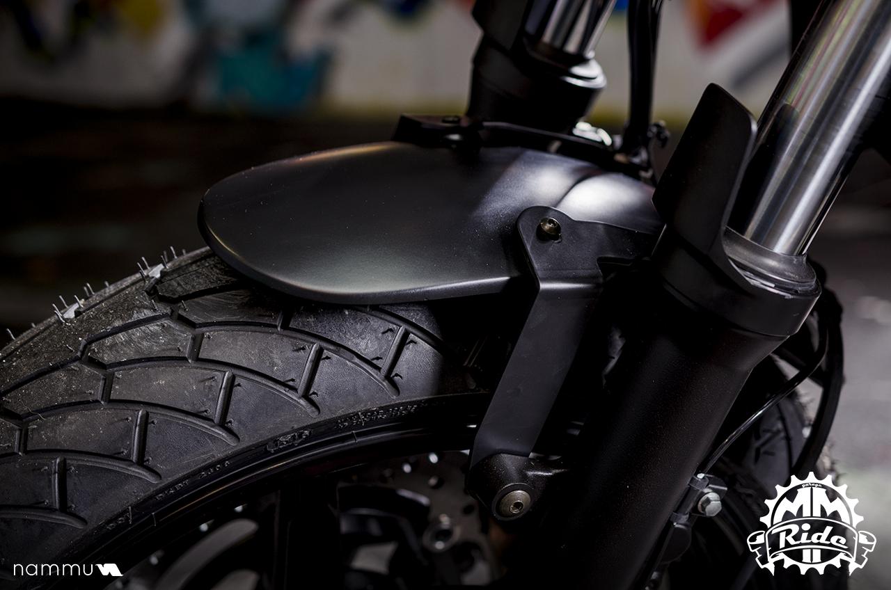 Suzuki sv 650 café racer mmride détail garde boue et pneus