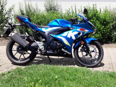 Suzuki GSX-R 125 de démonstration. Moto en parfait état 1ère mise en circulation: 27.03.2018 Service 1'000 kms effectué 1'200 Km  -Pas de frais à prévoir. -Garantie constructeur jusqu'au 26.03.2021